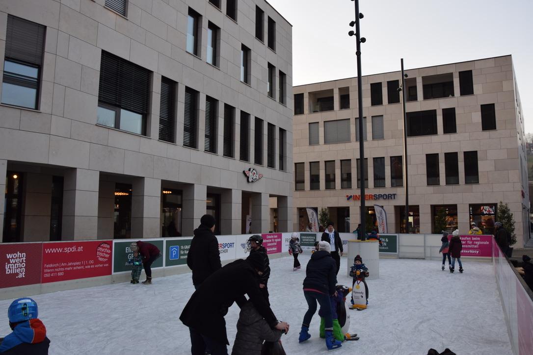 Eislaufen mitten in der Stadt