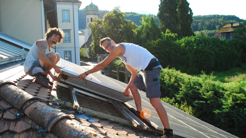 Mehr Photovoltaik auf Gemeindedächern