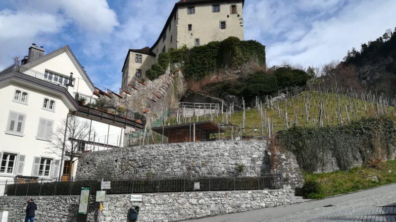 Kommt der Besucher nicht zu der Burg, kommt die Burg zum Besucher