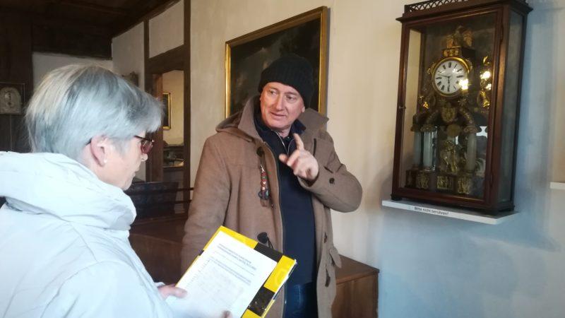 """""""Wer hat an der Uhr gedreht?"""" Reinhard Häfele im Schattenburgmuseum"""