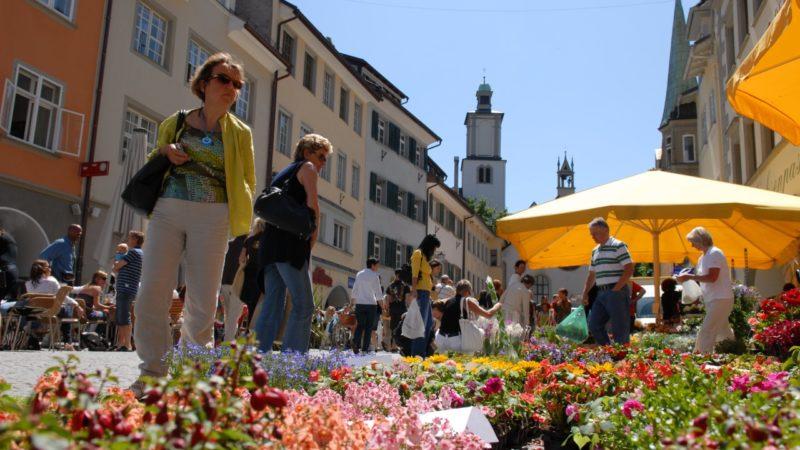 """Wochenmarkt und Setzlingsmarkt """"erdreich"""" am 25. April in Feldkirch"""