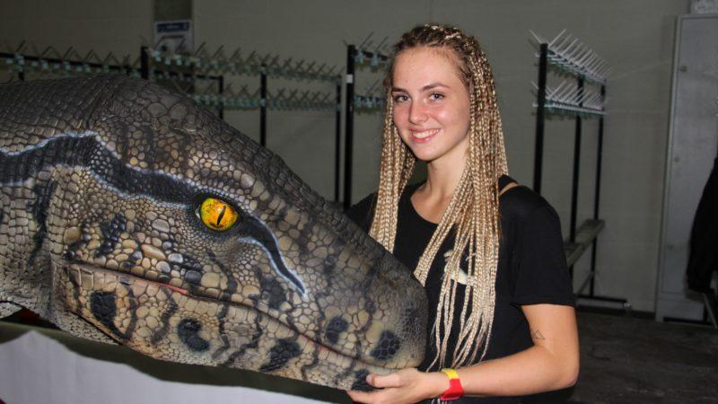 Im Raptor-Saurier steckt ein Bregenzerwäler Mädchen