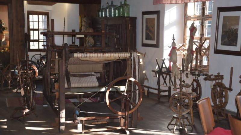 Seltene Einblicke ins Schattenburgmuseum: Spinn- und Webstube