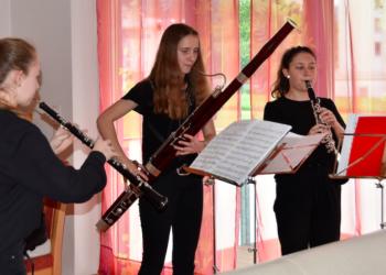 """Das """"Arundo Donax Trio"""" bei einem Wohnzimmerkonzert in Rankweil © Marktgemeinde Rankweil"""