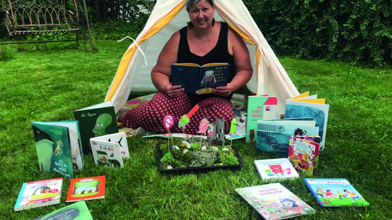 Bücher-Badepicknick im Waldbad