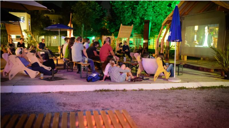 poolbar-Festival: OPEN AIR KINO: LOVECUT – Vorpremiere am 12.8.