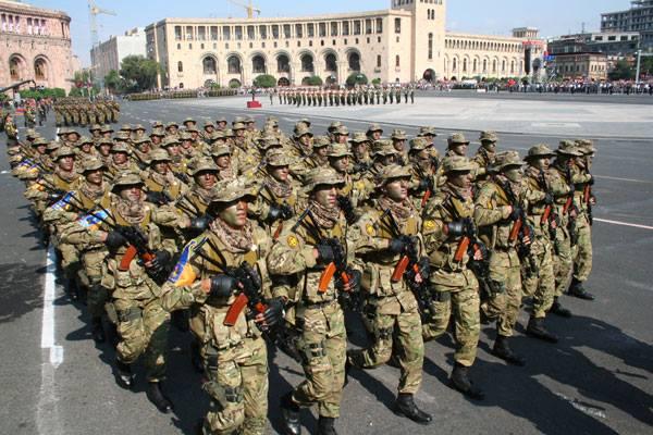 Krieg zwischen Armenien und Aserbaidschan – Die Türkei schickt syrische Kämpfer an die Front