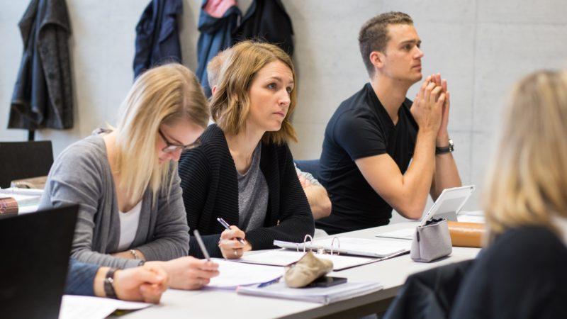 FH Vorarlberg: Masterstudiengänge der Betriebswirtschaft österreichweit im Spitzenfeld