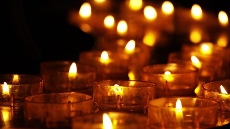 Ein Licht geht um die Welt – Weltgedenktag für verstorbene Kinder