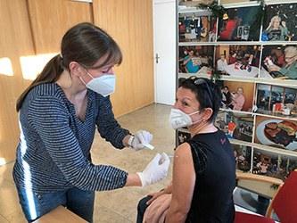 Bewohner und Pflegekräfte erhielten Schutzimpfung