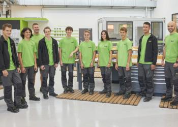 Die acht neuen Lehrlinge des Dornbirner High-Tech-Unternehmens 1zu1. Foto: Darko Todorovic